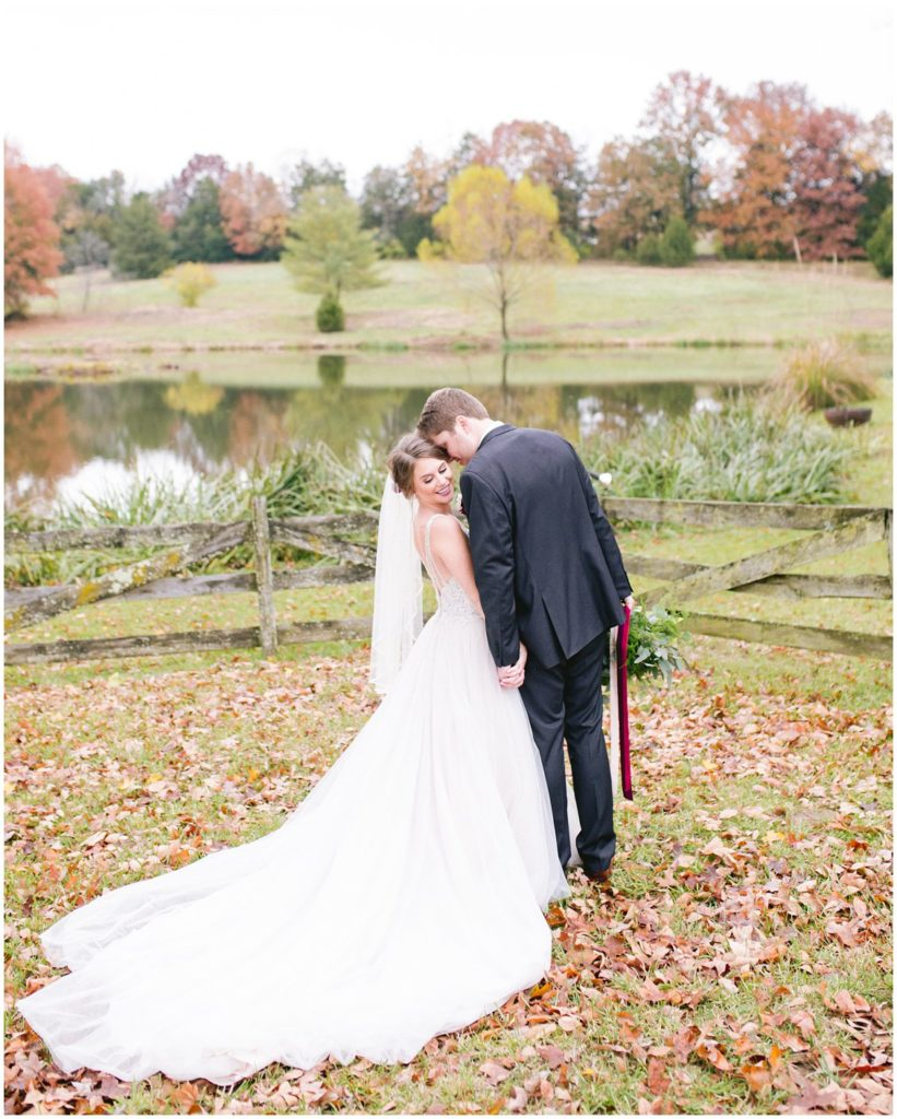 A boho chic outdoor wedding with real llamas at Maison Du Lac venue in Missouri by Pattengale Photography